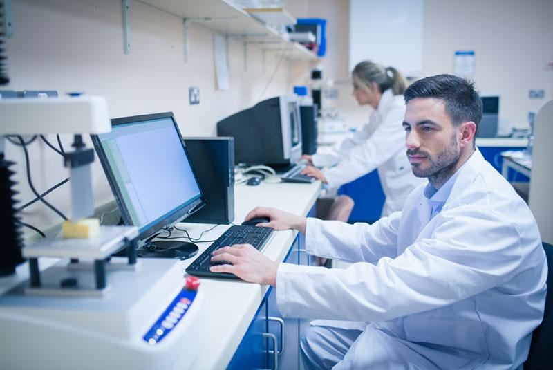 Scientist designing Alt-R Cas9 experiment